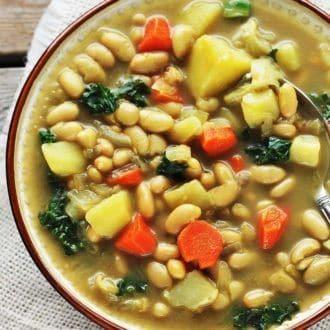 white-bean-and-kale-soup