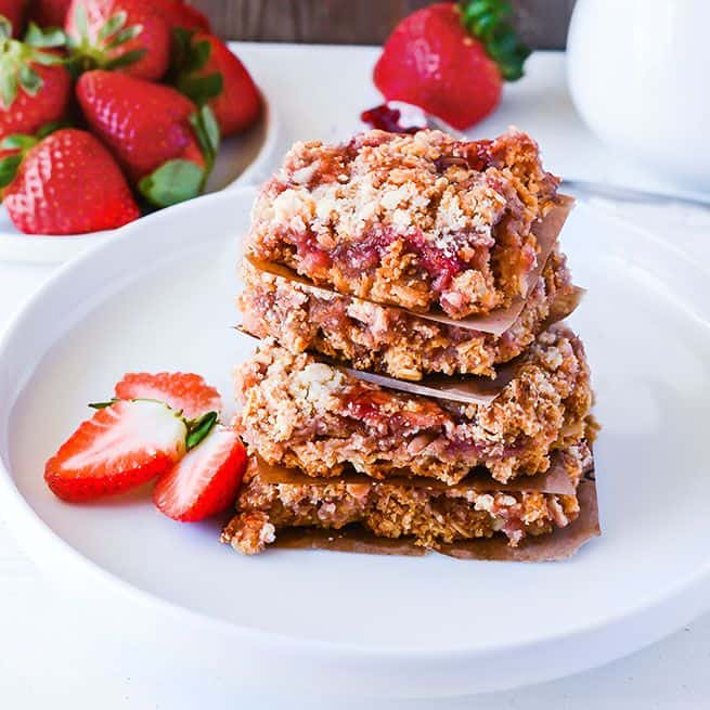 Strawberry Oats Bar (Gluten-Free Vegan)