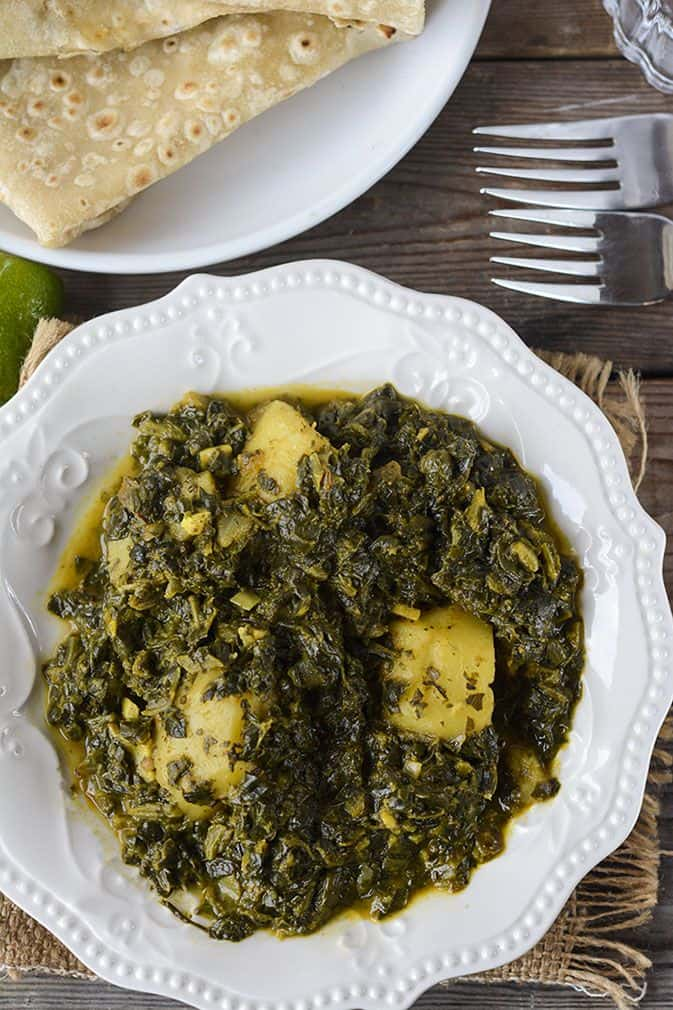 Aloo Palak (Potato and Spinach Curry) | Healthier Steps