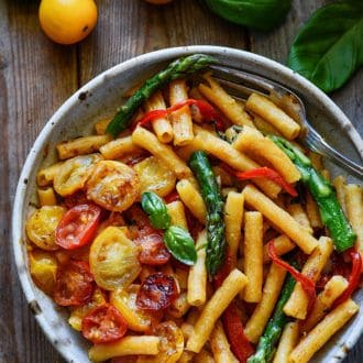 20-Minute Pasta with Asparagus and Tomatoes