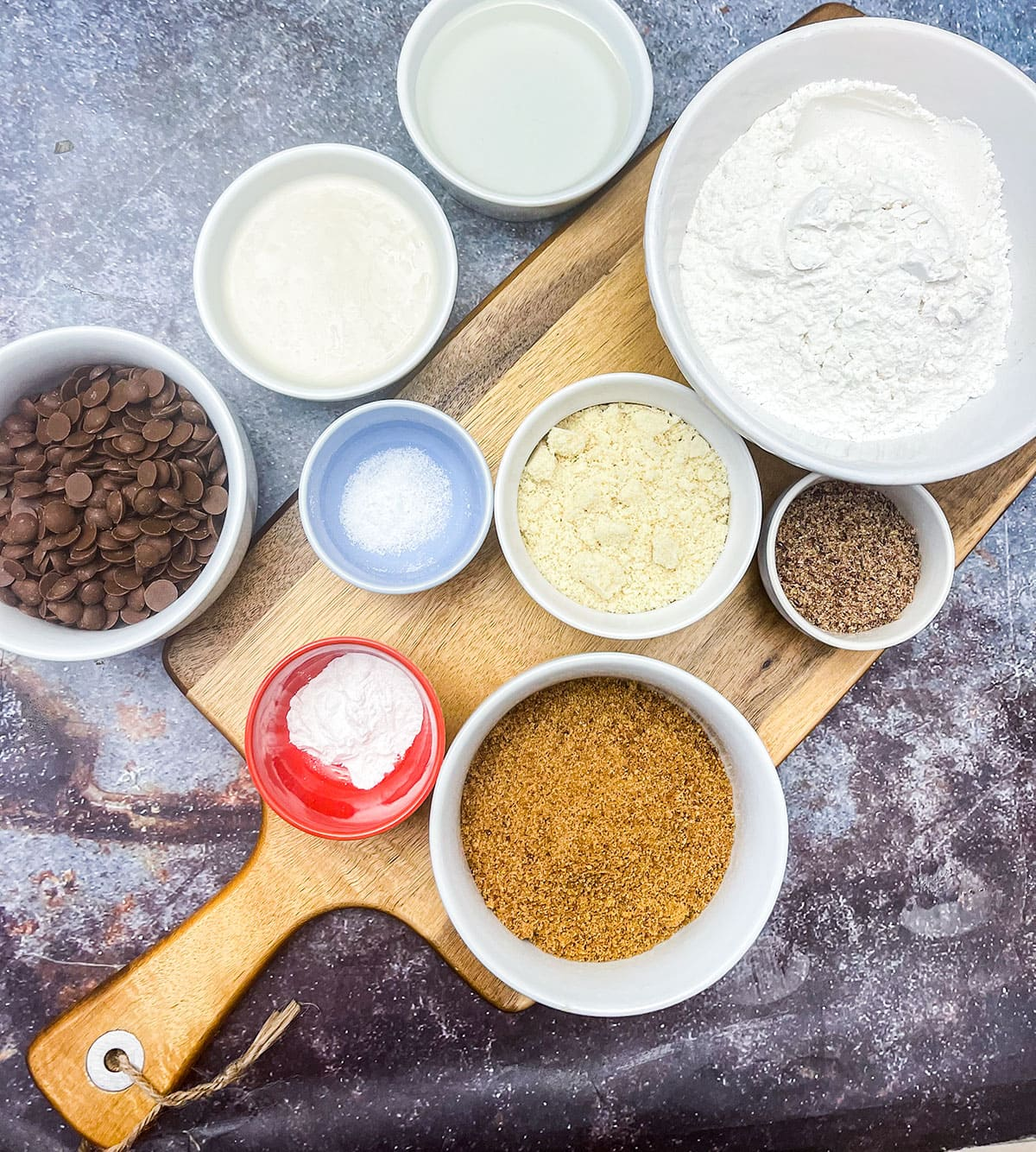 Overlay ingredients for chocolate chips cookies