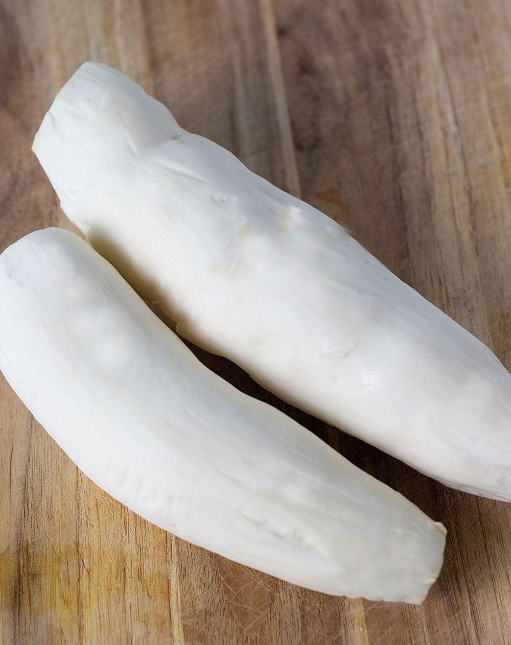Cassava peeled for bammy