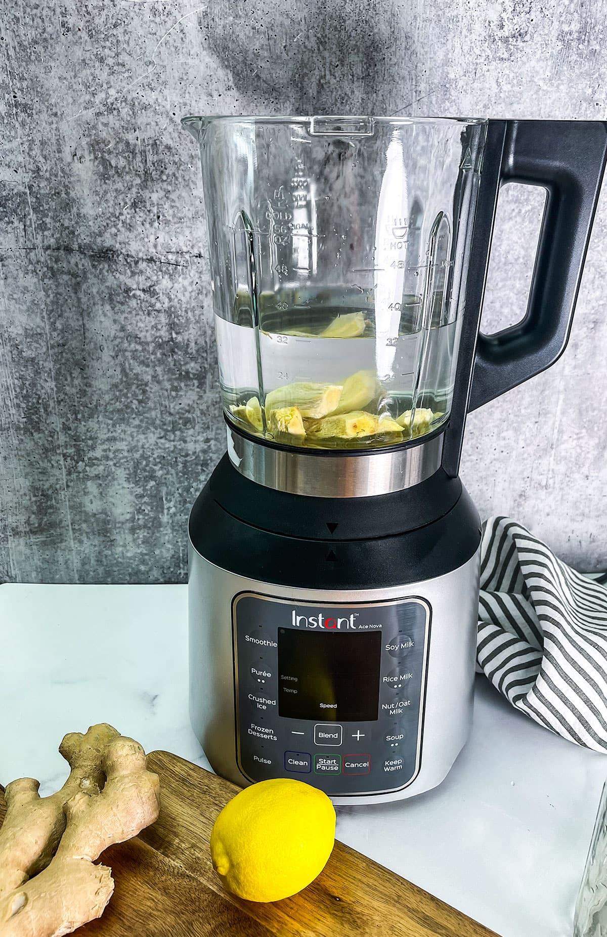 Ingredients for ginger juice in the blender