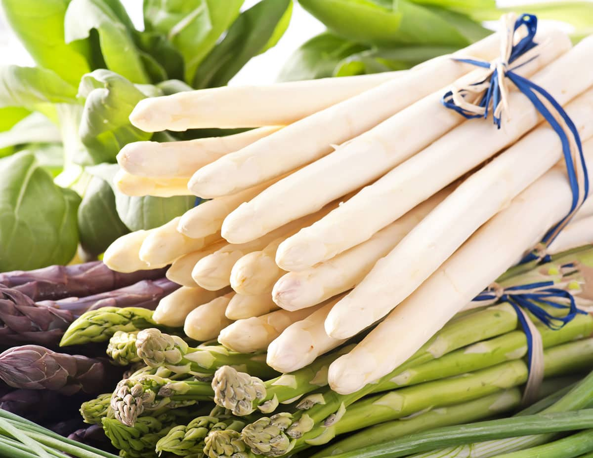 asparagus varieties in a basket