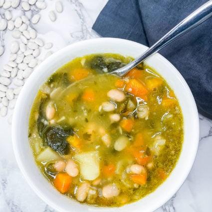 Instant Pot White Bean Soup