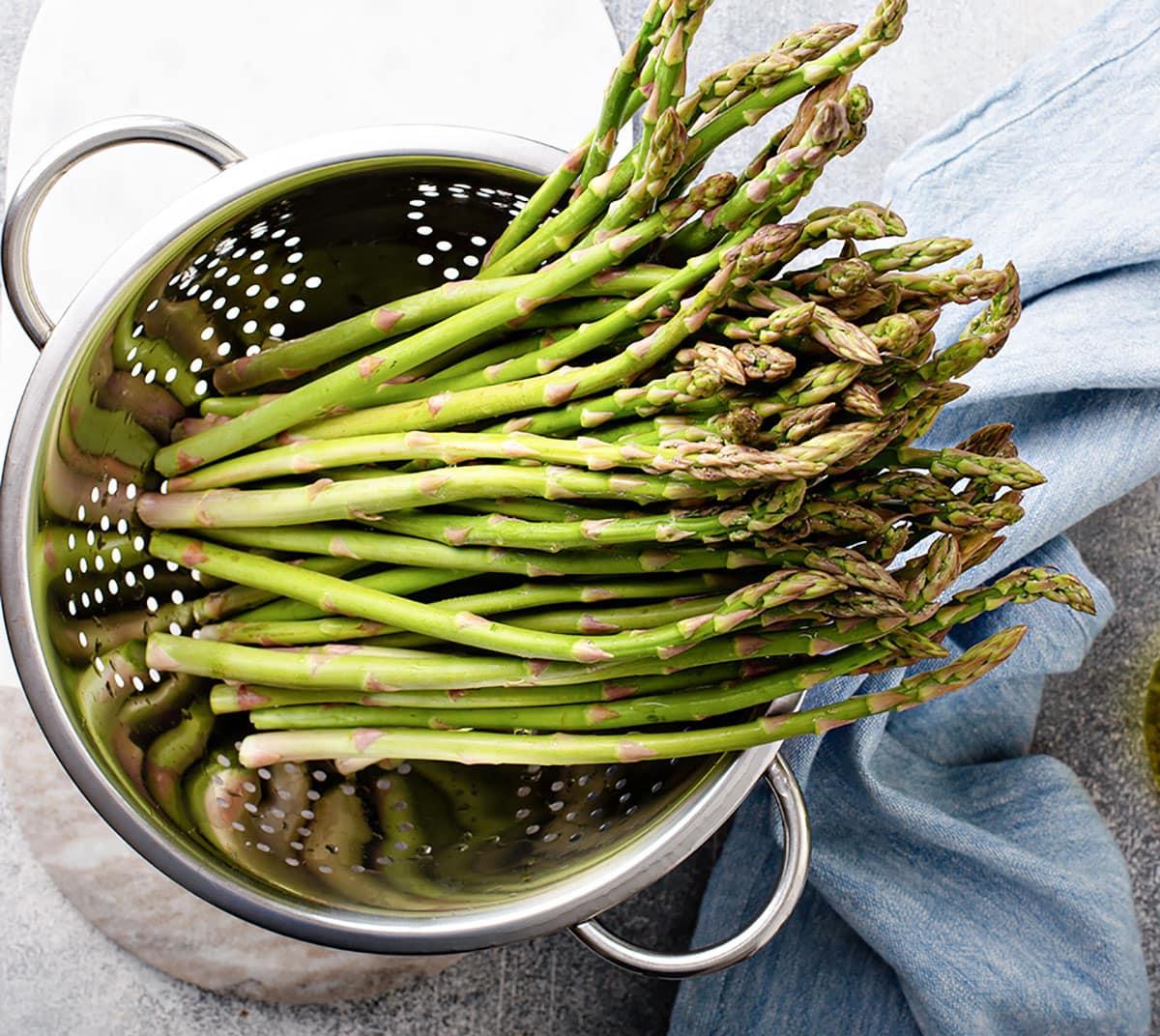 asparagus in colander