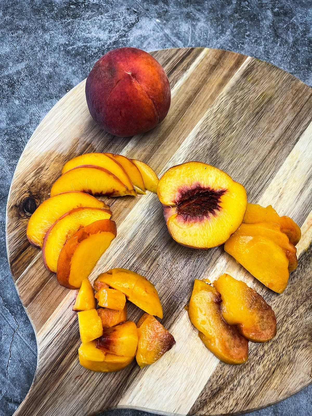 How to Cut A Peach