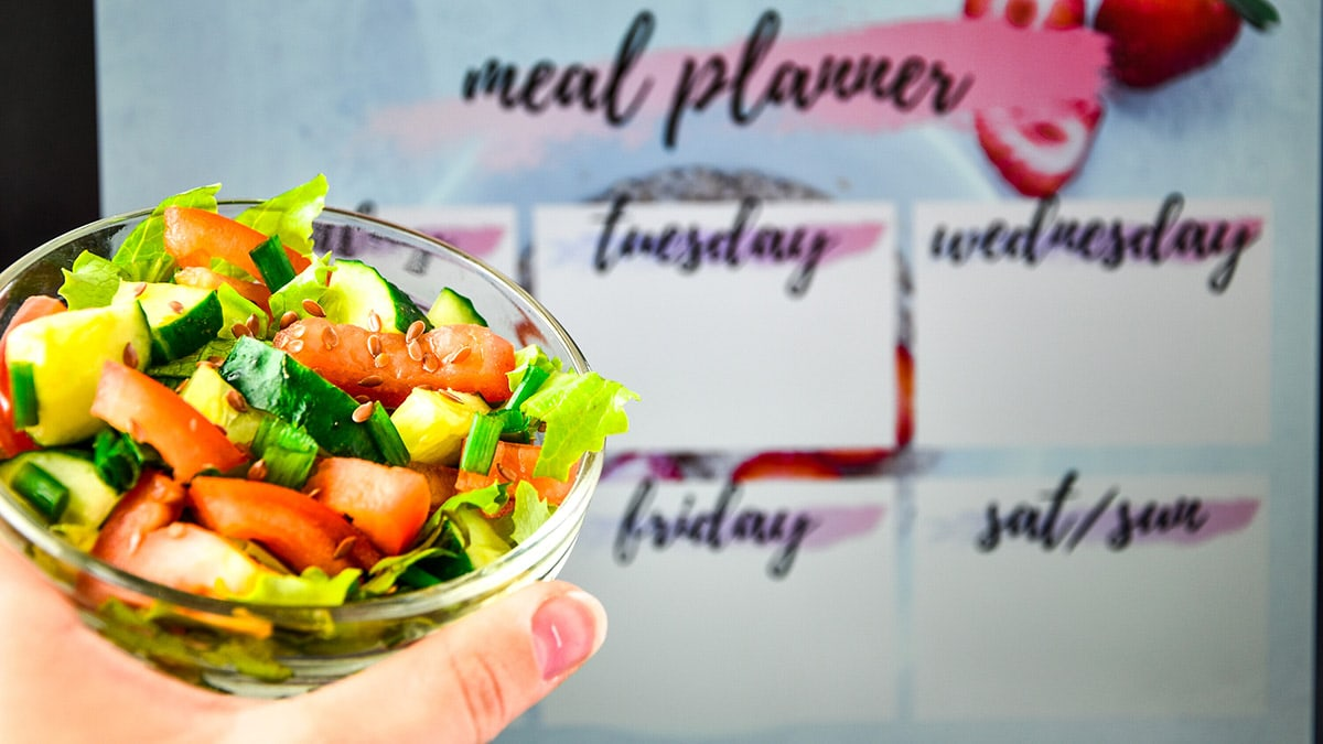 meal planner with salad
